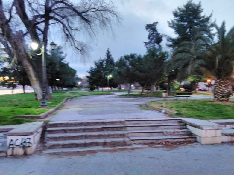 Εργολαβία πρασίνου στο πάρκο του Αγίου Κωνσταντίνου