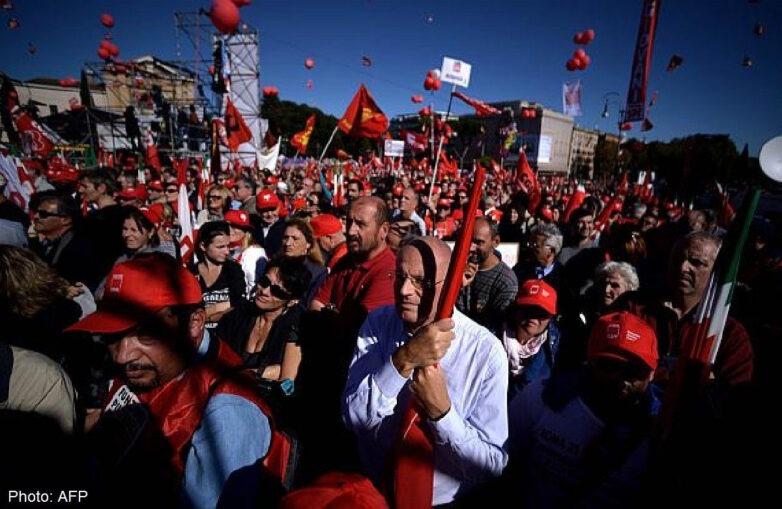 Στους δρόμους οι Ιταλοί κατά της μεταρρύθμισης στα εργασιακά