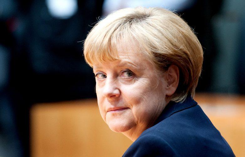 Κέντρα υποδοχής προσφύγων ζητεί η Αγκελα Μέρκελ