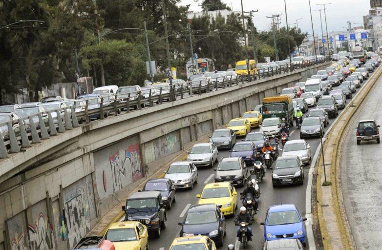 Εμπλοκή ταξιτζήδων με  πυροβολισμούς  στην Κηφισίας