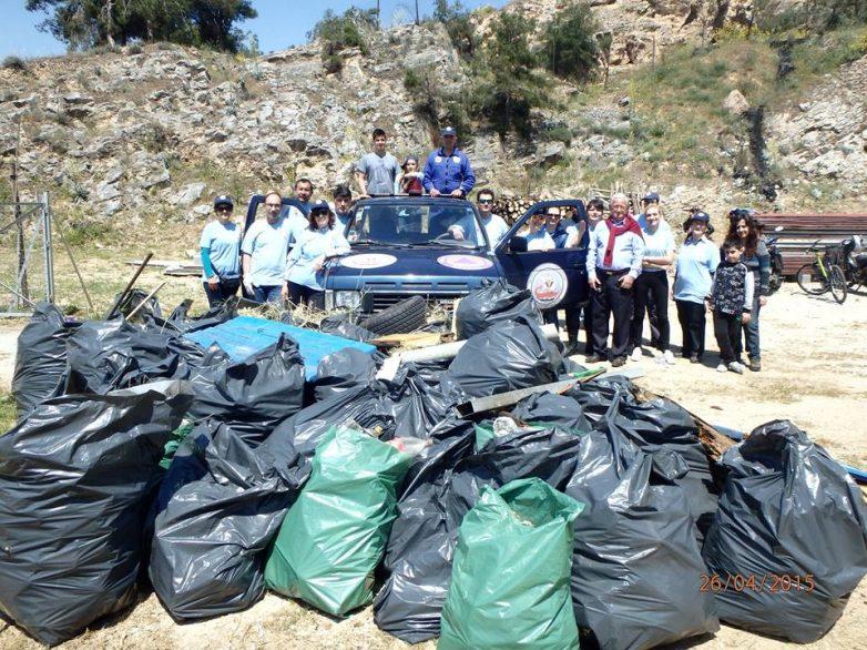 Το δάσος στη Γορίτσα καθάρισαν οι εθελοντές της ΛΕΔ