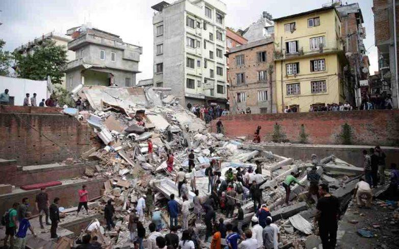 Νεπάλ: Ξεπέρασαν τους 3200 οι νεκροί
