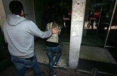Ελεύθερη η νεαρή που μαχαίρωσε τρεις συμμαθήτριές της στου Ρέντη