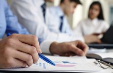 Παράταση προθεσμίας για την ανανέωση αδειών των ασφαλιστικών διαμεσολαβητών