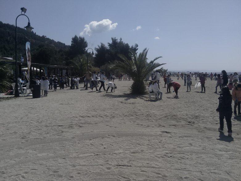 Καθαρίστηκε σήμερα  η παραλία του Αναύρου