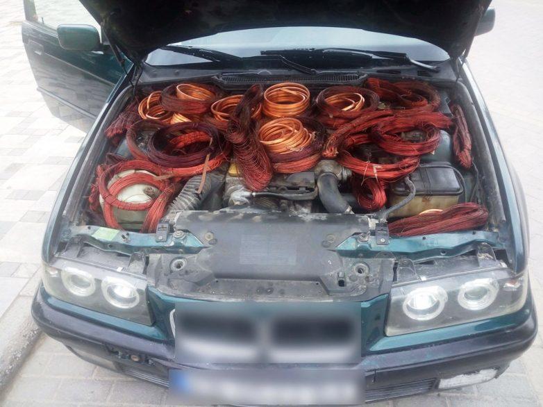Έκρυβαν 92 κιλά χαλκού μέσα στο αυτοκίνητο!