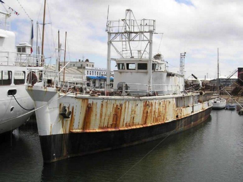 Ακυβέρνητο φορτηγό πλοίο έξω από τον Αη Γιάννη