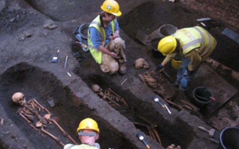 Στο φως βρετανικό μεσαιωνικό νεκροταφείο