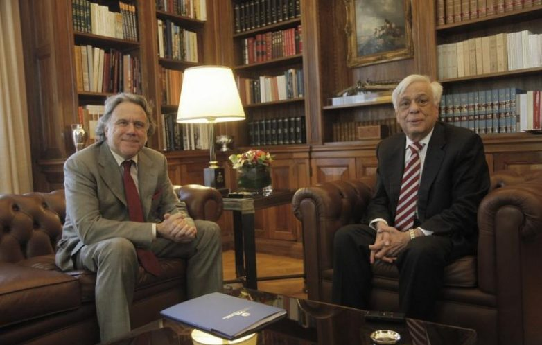 Συνάντηση Κατρούγκαλου με Παυλόπουλο – Στο επίκεντρο το ν/σ για τη Δημόσια Διοίκηση
