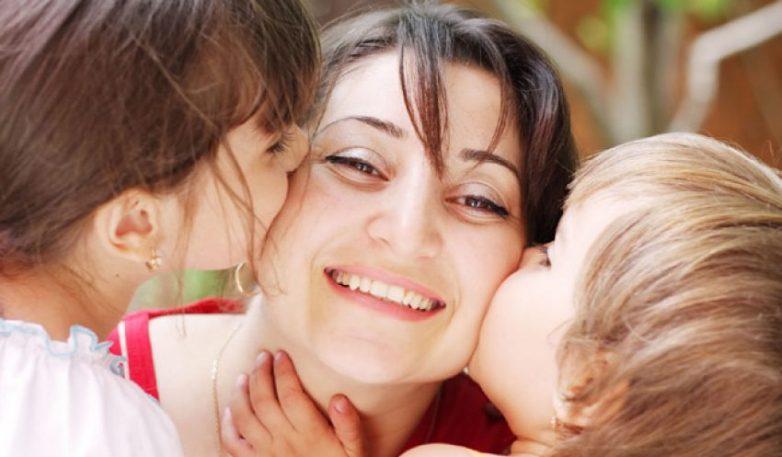 Μητέρες ανηλίκων: Πότε βγαίνουν στη σύνταξη