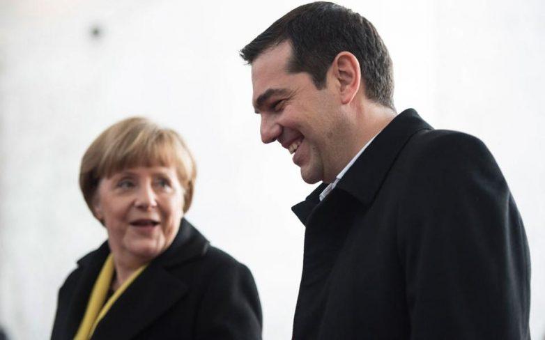 Μέρκελ: «Nα μην ξεμείνει η Ελλάδα από μετρητά»