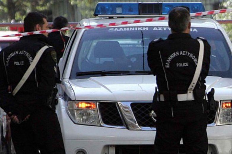 Σύλληψη δύο ατόμων για παράνομο υπαίθριο εμπόριο