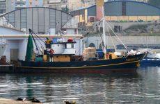 Αναζήτηση αλιευτικού σκάφους που παρασύρθηκε απ' τα κύματα στα Κ. Λεχώνια