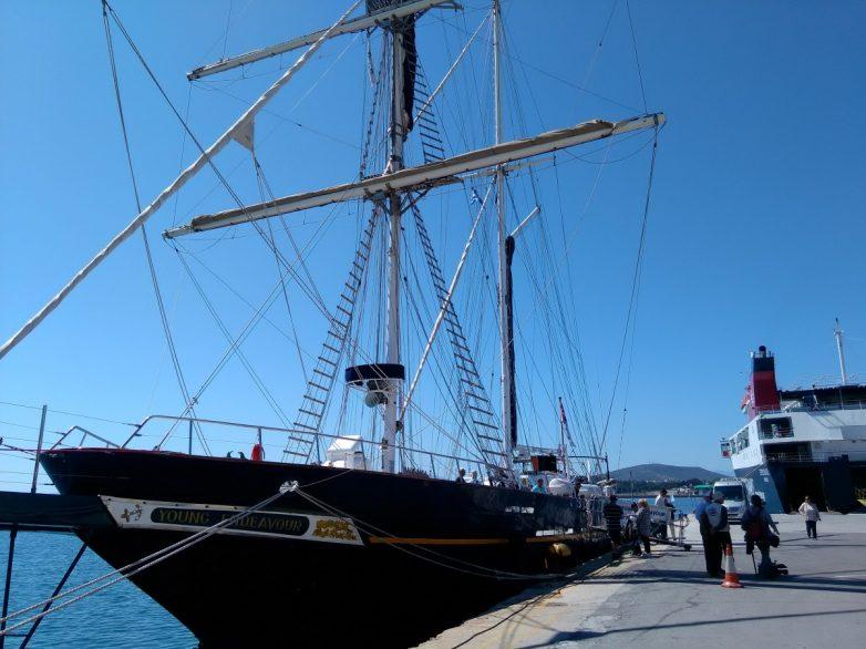 Στο λιμάνι του Βόλου  το STS Young Endeavor