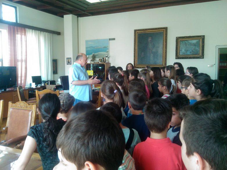 Επίσκεψη μαθητών στο Δημαρχείο Βόλου