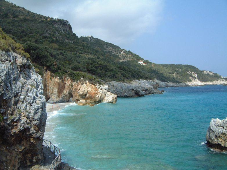 Η Ελλάδα διαθέτει ύδατα κολύμβησης εξαιρετικής ποιότητας στο 96 % των περιοχών της