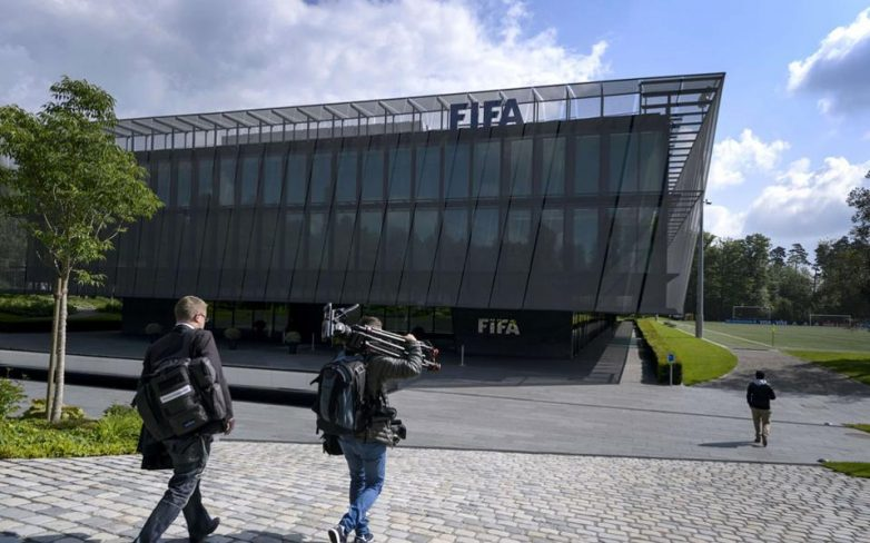 Χειροπέδες στο ποδόσφαιρο διαφθοράς