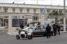 Στον Κορυδαλλό και στην Κασσαβέτεια προφυλακίστηκαν οι τρεις Ρομά