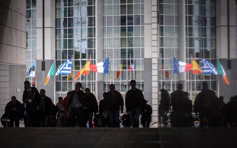 Γιουνκέρ, Τσίπρα, Ντάισελμπλουμ και Ντράγκι καλεί το ΕΚ