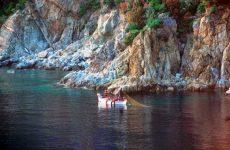 Κινδύνεψε αλιευτικό σκάφος στον Πλάτανο Αλμυρού