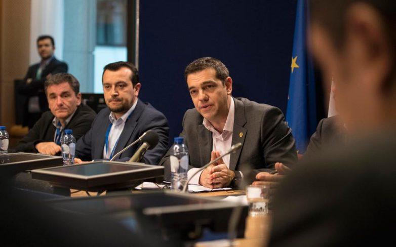 Δημοσιονομικό κενό και διαπραγματεύσεις στη συνάντηση Παππά – Τσακαλώτου με Μοσκοβισί
