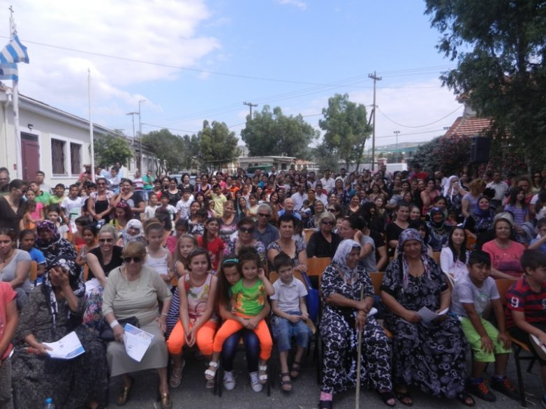 O αντιπρόεδρος Τίμερμανς και  η  επίτροπος Γιούροβα ενόψει της Ημέρας Μνήμης του Ολοκαυτώματος των Ρομά