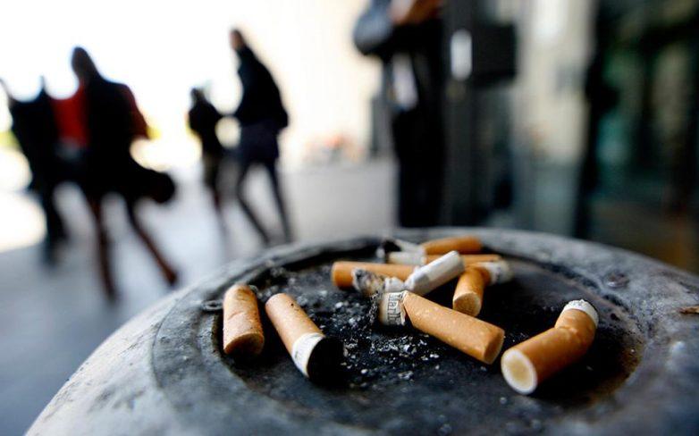 «Κάπνισμα με… ωράριο»: απίστευτο, κι όμως ελληνικό