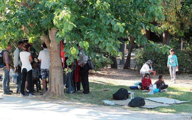 Ευρεία σύσκεψη στην Περιφέρεια Αττικής για τους μετανάστες