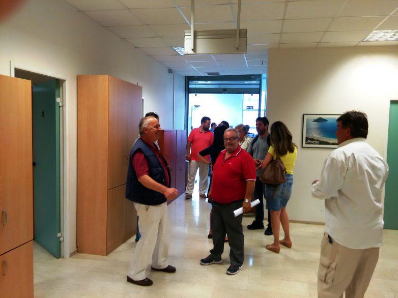 Συμβολική κατάληψη των γραφείων της Αποκεντρωμένης Διοίκησης στο Βόλο