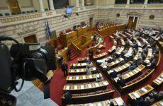 Υπερψηφίστηκε το Μνημόνιο, ψήφος εμπιστοσύνης μετά τις 20 Αυγούστου