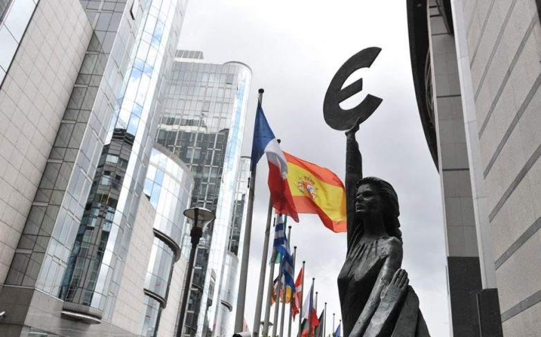 Το Eurogroup ενέκρινε τριετές πακέτο στήριξης για την Ελλάδα