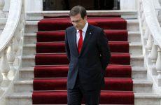 Ο Κοέλιο επικαλείται την κρίση στην Ελλάδα