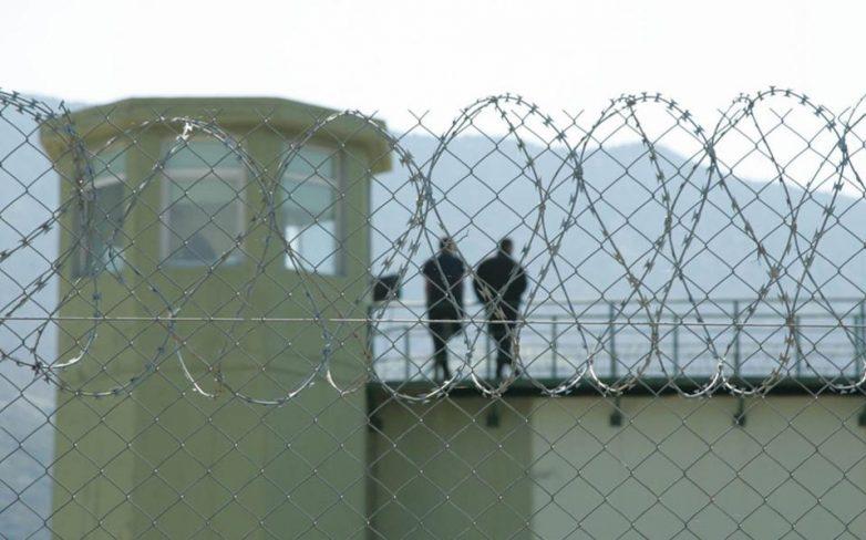 Με κουρτινάκια έκρυβαν το τούνελ στις φυλακές της Κέρκυρας
