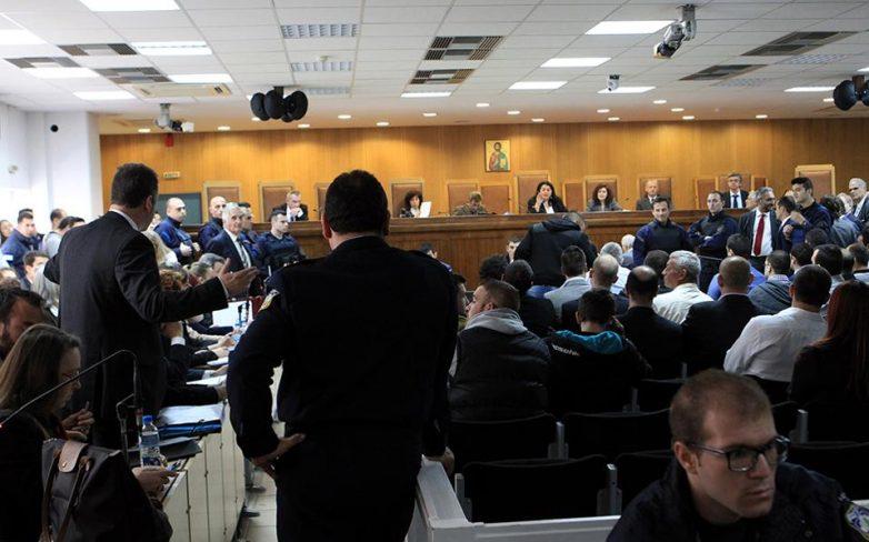 Αποχώρηση της πολιτικής αγωγής και διακοπή στη δίκη της Χ.Α.