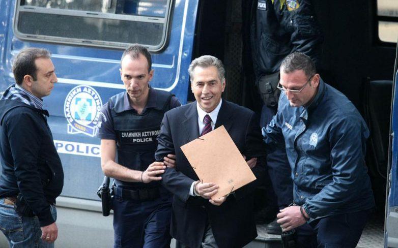 Αποφυλακίστηκε ο Βασίλης Παπαγεωργόπουλος