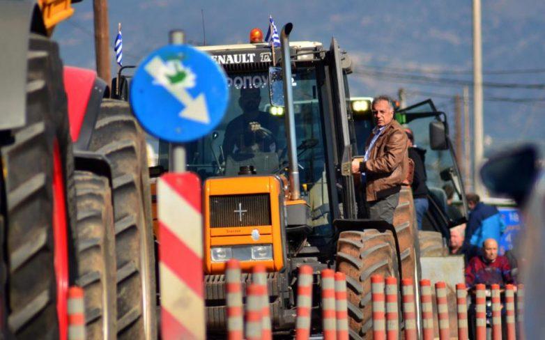 Γαλάζιο «βέτο» και ζυμώσεις για αποφυγή αγροτικού μπλόκου στη συμφωνία