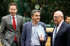 Στην Αθήνα η τρόικα – νέα δοκιμασία για κυβέρνηση στη Βουλή
