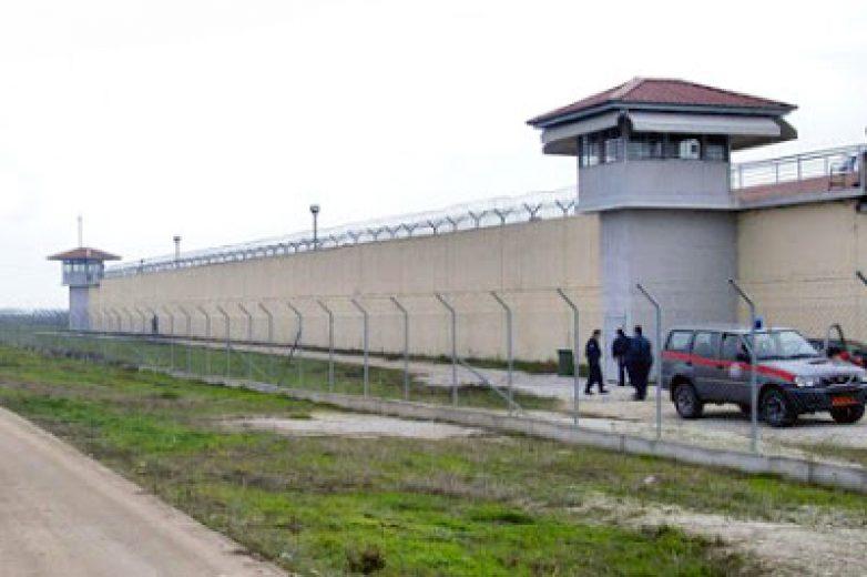 """Η ανθρωπιστική βοήθεια του """"Εσταυρωμένου"""" και στη φυλακή Τρικάλων"""