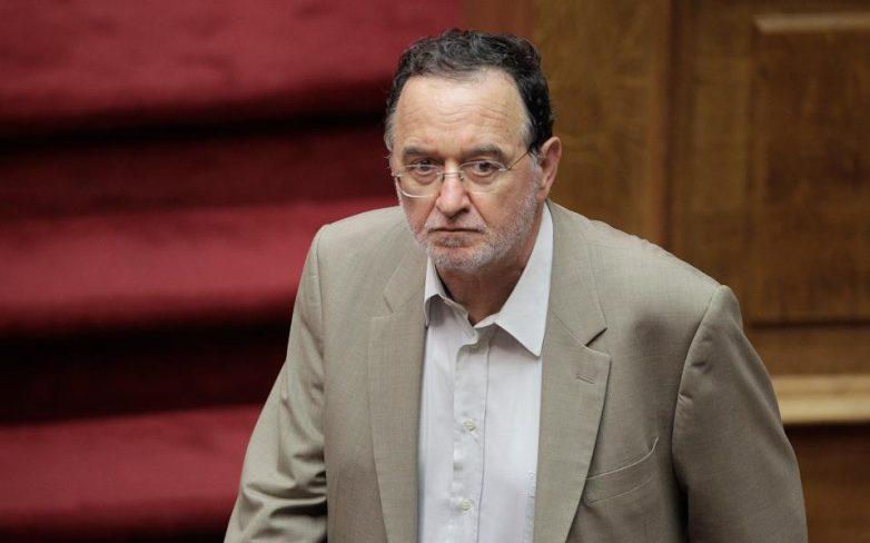 Λαφαζάνης: η κυβέρνηση δεν έπρεπε να δεχθεί νέο μνημόνιο