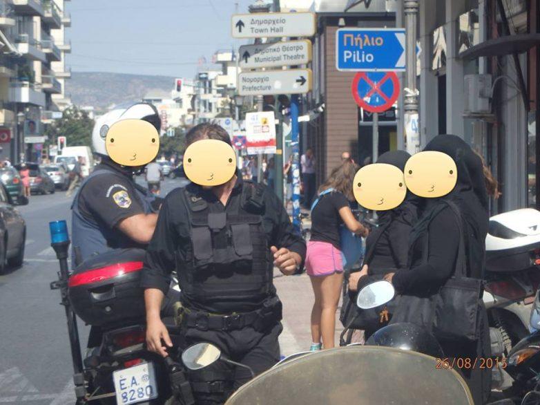Καλόγριες «μαϊμού» συνέλαβαν αστυνομικοί το πρωί σε κεντρικό δρόμο του Βόλου