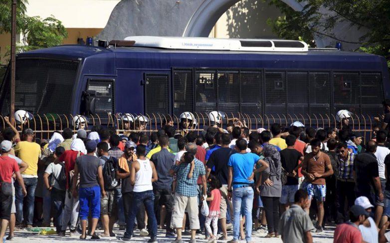 Πλοίο στη Κω για κάλυψη των βασικών αναγκών διαμονής των προσφύγων