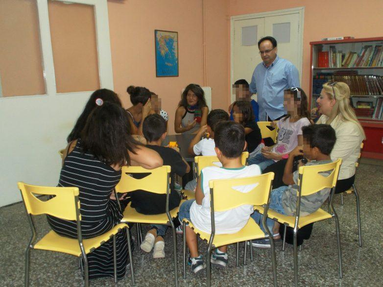 Με τα παιδιά του Ορφανοτροφείου τραγούδησε η ερμηνεύτρια Μπέττυ Χαρλαύτη