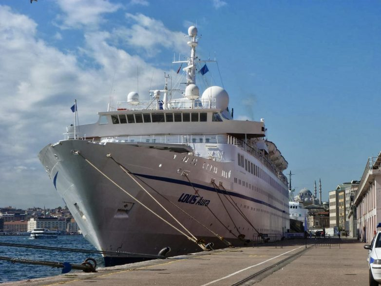 """Στο Βόλο το κρουαζιερόπλοιο """"Louis Aura"""""""