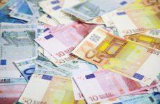 Τόκοι το 50% του ποσού που θα πληρώσει η Ελλάδα το 2016 για εξυπηρέτηση χρέους