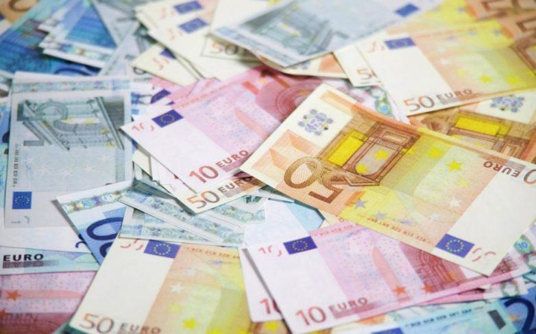 Η κρίση «εξαφάνισε» περισσότερα από 108 δισ. σε μετρητά και καταθέσεις