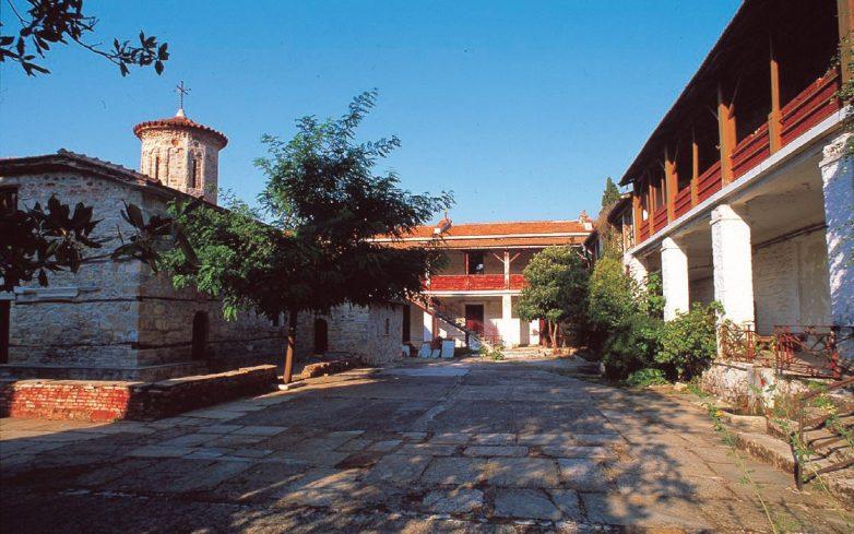 Πανηγυρίζει το Μοναστήρι της Κάτω Ξενιάς