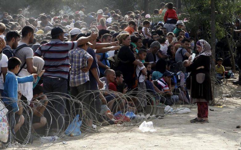 Τα Σκόπια άνοιξαν τα σύνορα