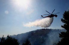 Υπό μερικό έλεγχο πυρκαγιά στις Ερυθρές του δήμου Μάνδρας