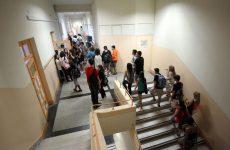 Παρουσία μαθητών κατά τη λειτουργία Γυμνασίων Λυκείων στη Μαγνησία