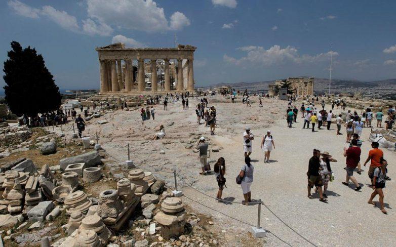 Διπλάσια φορολογία το 2016 για τον ελληνικό τουρισμό σε σχέση με ανταγωνίστριες χώρες